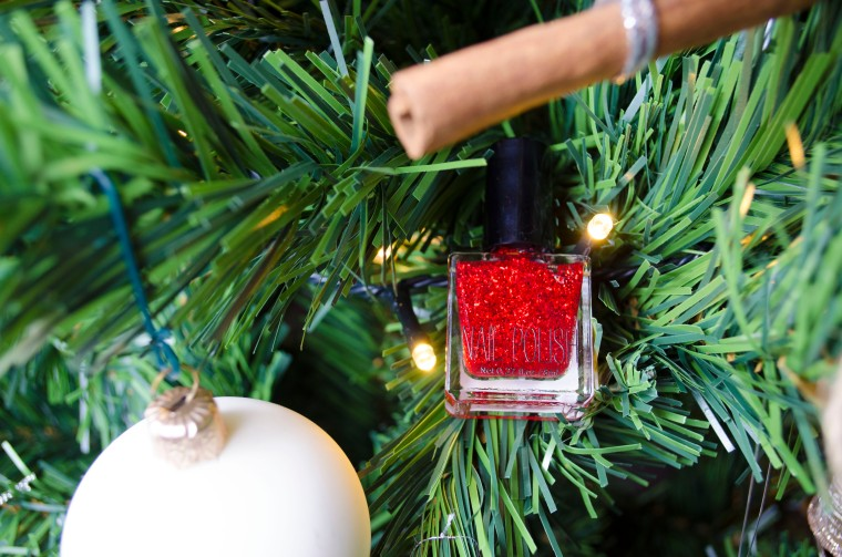 H&M_NAIL_POLISH_Red_Glitter_LilysColours